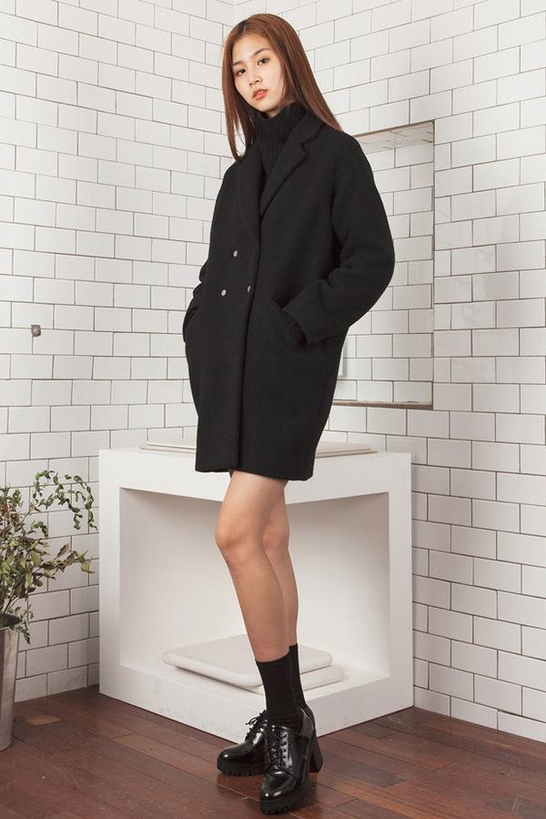 LOOKAST Black Boyfriend Coat