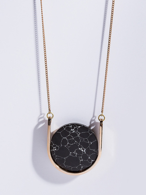 Metalepsis Projects Neutron Necklace - Black Particle