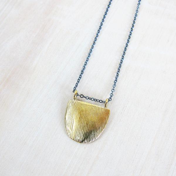Satomi Studio ridge pendant necklace