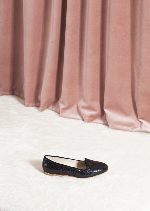 Anniel Smoking Slipper - black scale