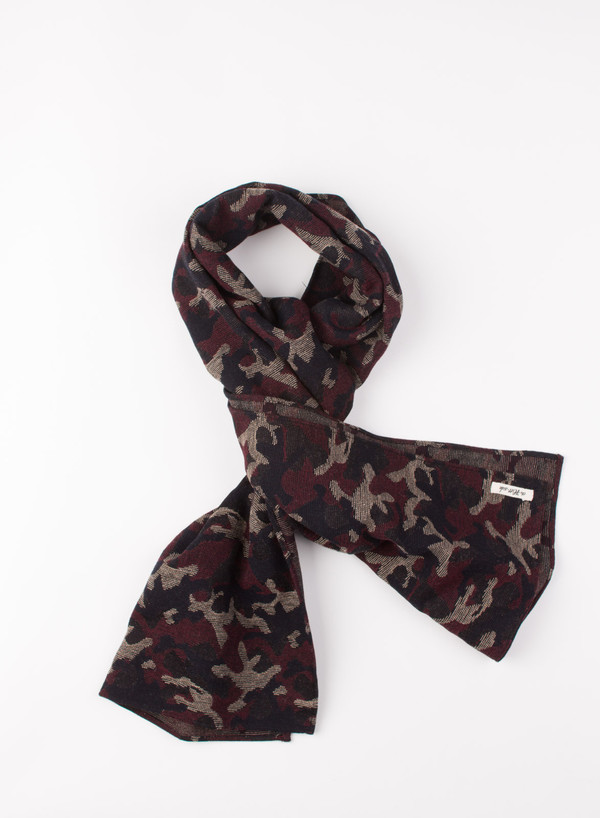 The Hill-Side Scarf Cotton/Wool Jacquard Camo Red