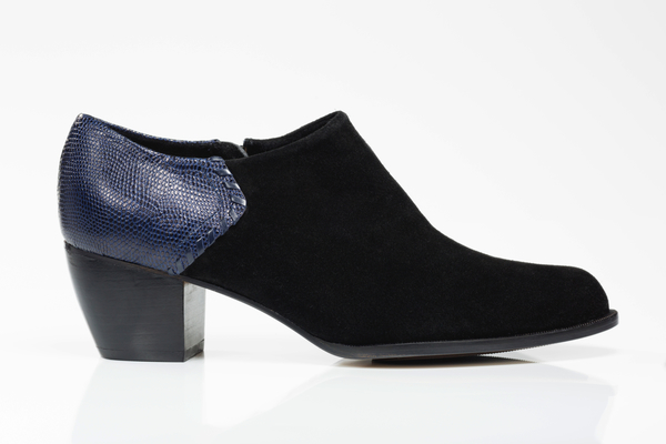 5yMedio Ignacia Black Booties