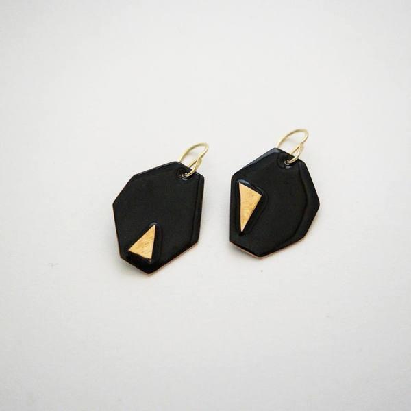 Alisha Louise Asymmetric Earrings in Black