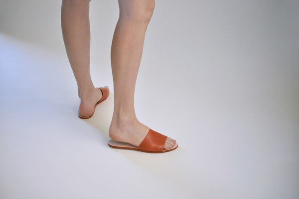 The Palatines Caelum Slide Sandal w thong - rust leather