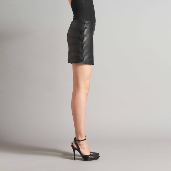 LAMARQUE SYDNEY Leather Mini Skirt with Raw Edge Detailing