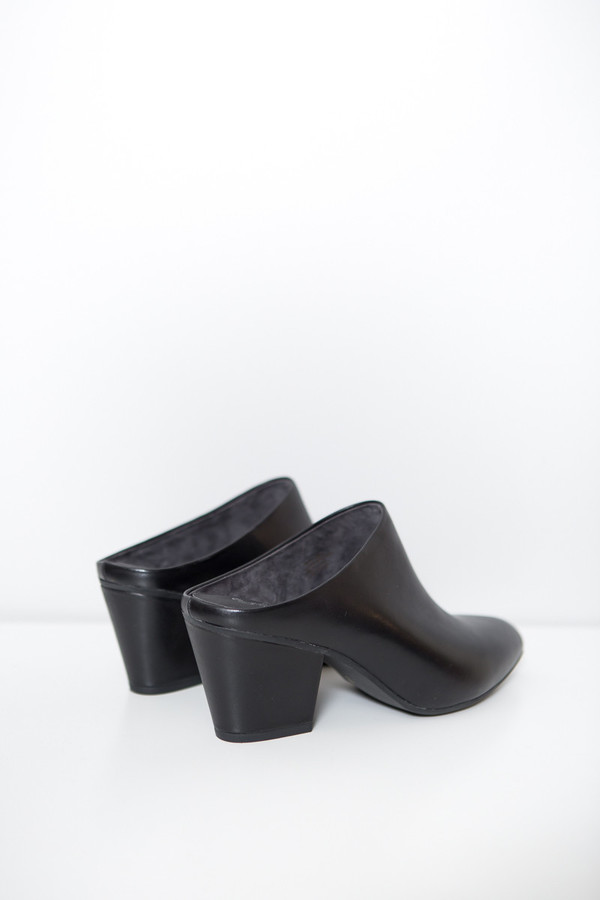 Seychelles Got the Answer Mules / Black Leather