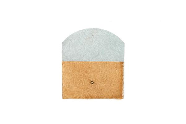 Primecut CARAMEL PASSPORT CLUTCH
