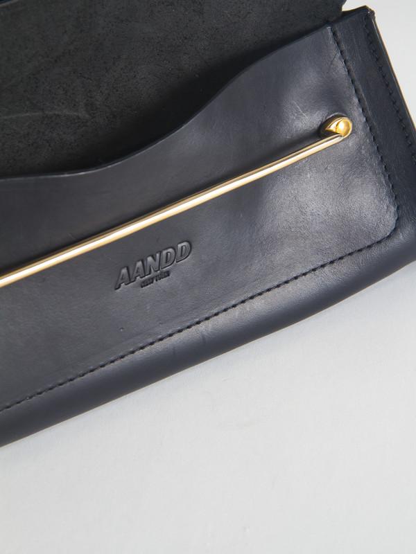 AANDD Double Clutch Black