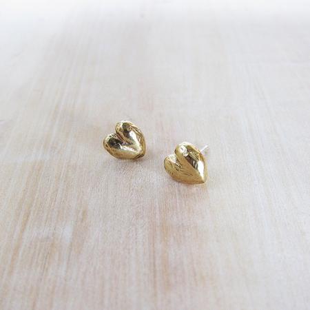Satomi Studio tiny heart earrings