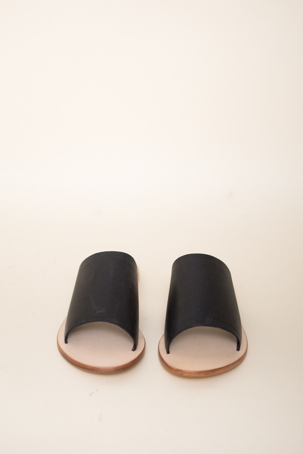Sol Sana Teresa ll Slide / Black Leather