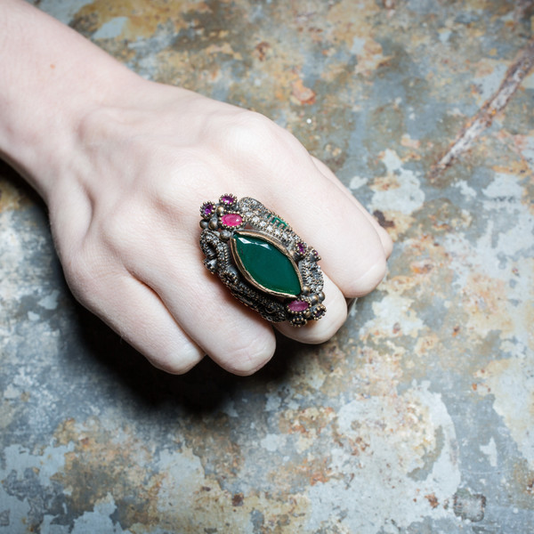 Rider For Life Emerald Mughal Ring