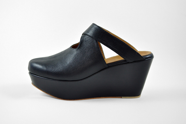 The Palatines Lemma Cross Clog - black leather
