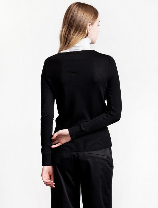 Etienne Deroeux Mila Turtleneck Black/White