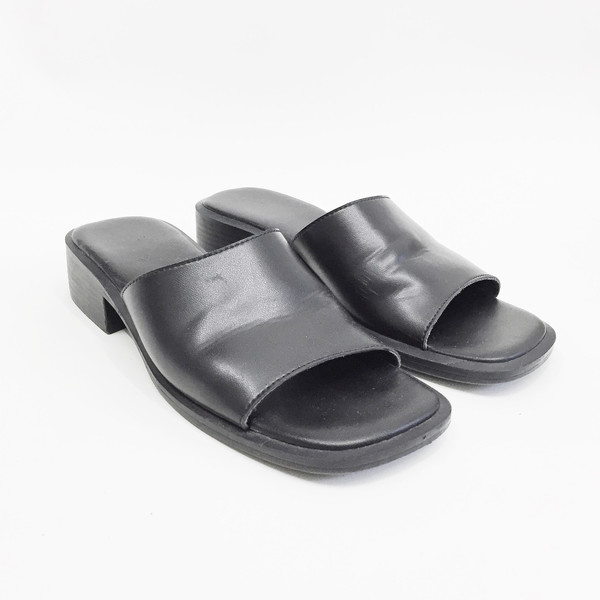 Johan Vintage Black Leather Slide