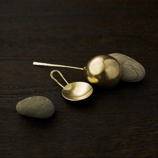 Lue Brass tea measure