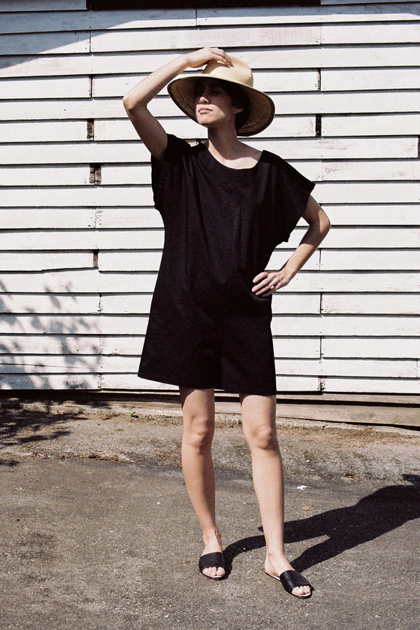 BaseRange Savanna Short Romper – black