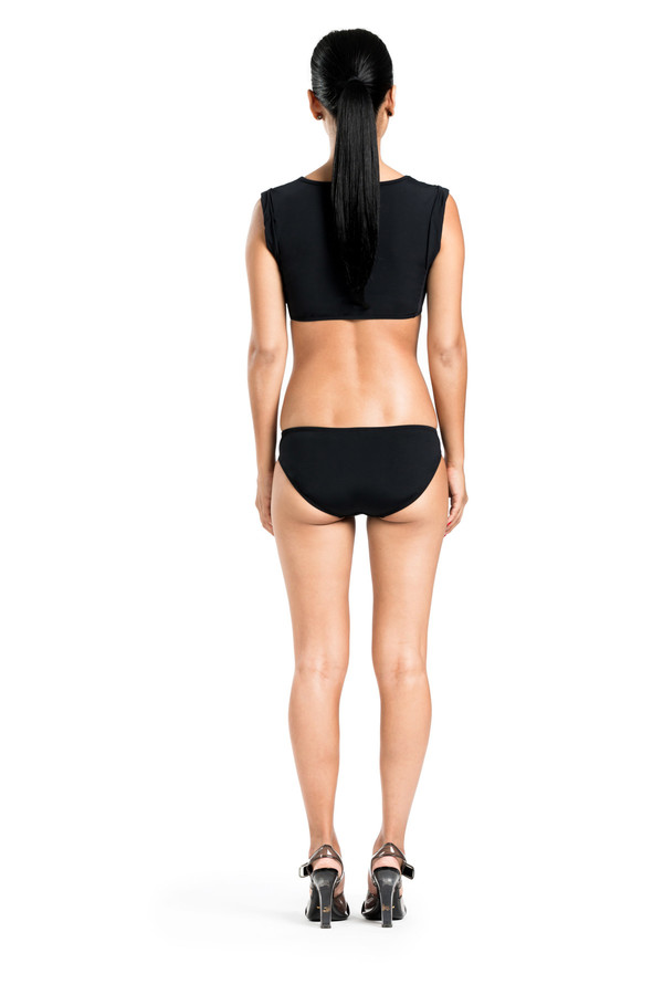 BETH RICHARDS Elle Top - Black MUSCLE CROP TOP WITH MESH SIDES