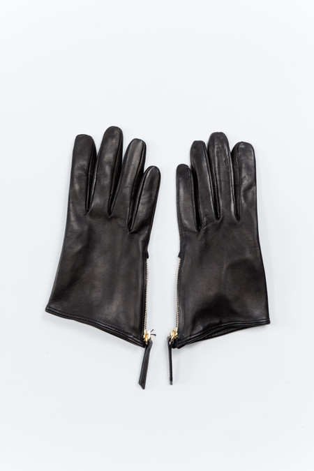 WANT Les Essentiels de la Vie Madeleine Short Zip Glove Black