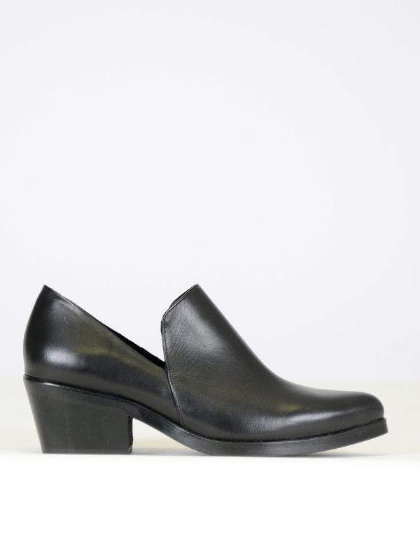 Intentionally Blank Meds Loafer Black