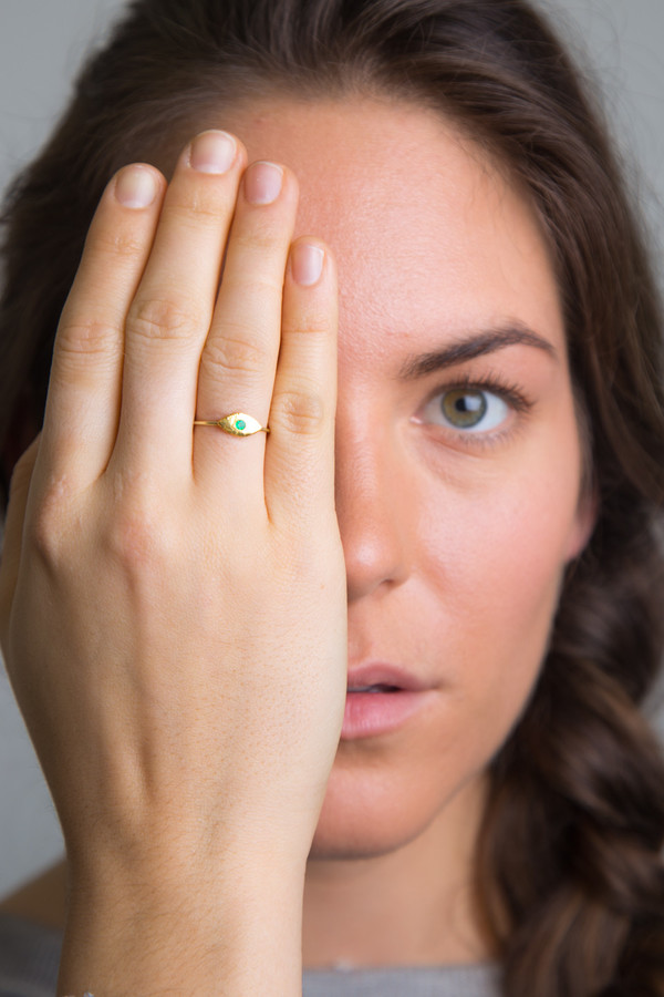 "Katrine Kristensen - ""Eye"" 24K Gold Ring With Emerald Eyes"