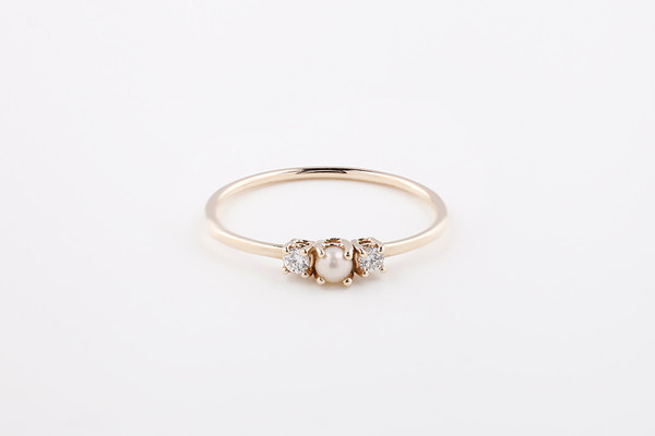 Pearl 2 Diamond Ring
