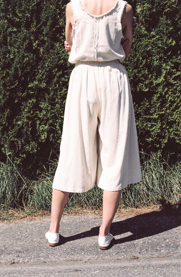 Black Crane Slit Wide Culotte - cream