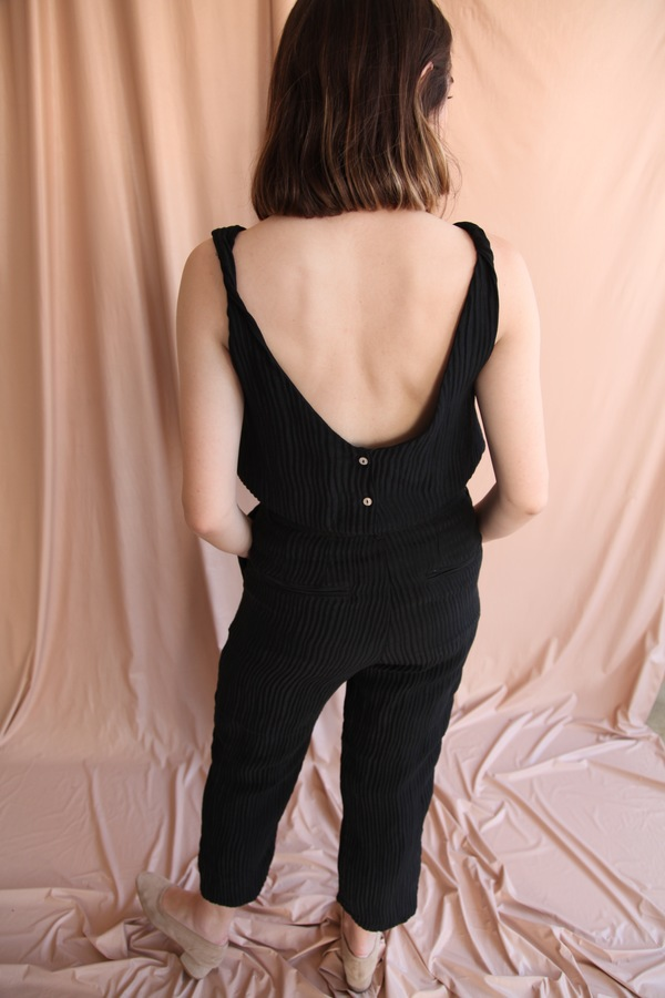 Objects Without Meaning Twist Button Back Top, Black