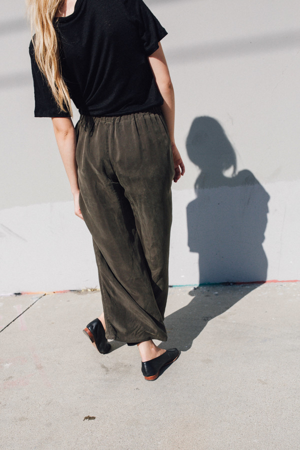 Objects Without Meaning Lounge Pant, Olive
