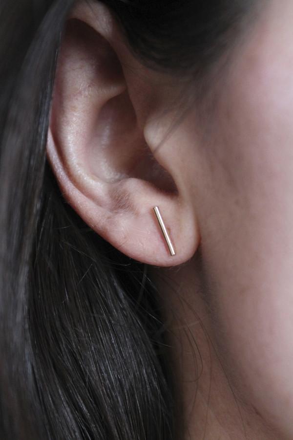 Lumo Gold staple 10mm stud earring