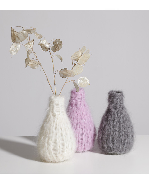 Maiami home Knitted Mohair Vase in Cream