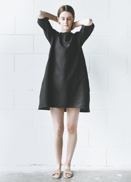 Zii Ropa - Cienna Shift Dress in Black