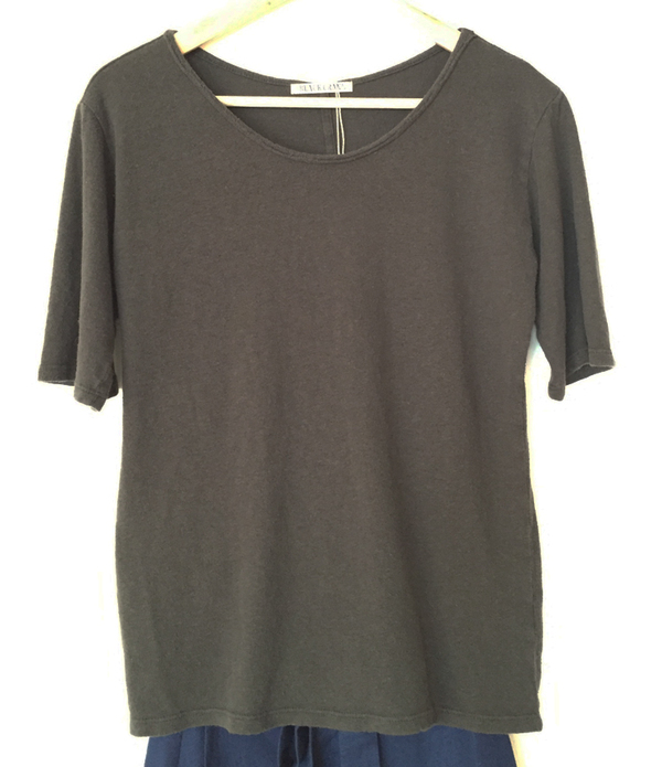 Black Crane Back Seam Tee - Charcoal