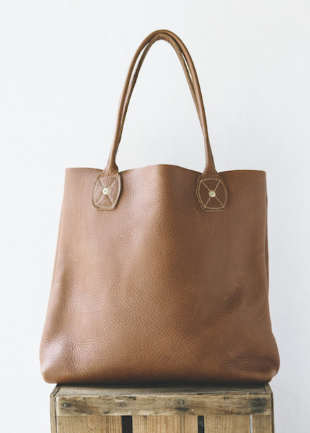 Wood & Faulk - Leather Slouch Tote in Fawn