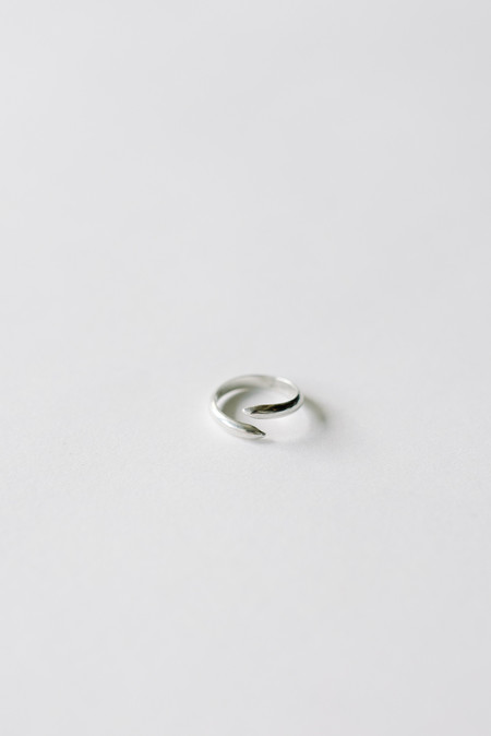 L. SHOFF Sterling Silver Midi Spike Ring