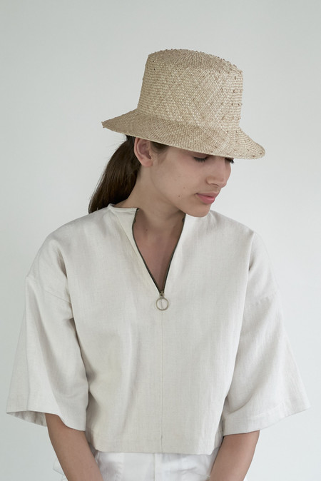 Clyde Short Brim Flat Top Hat - Cream Knotted