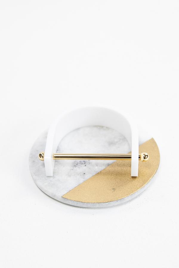 Aana Janakis Bangle - White and Gold