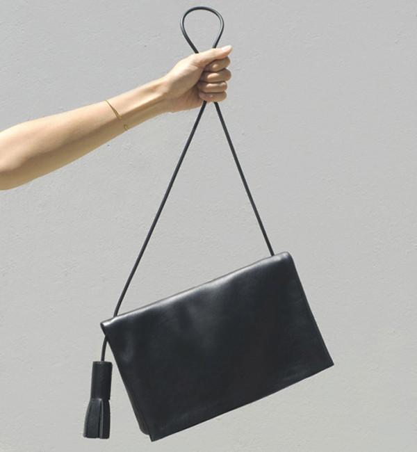 Building Block Smooth Black Fold Messenger Bag