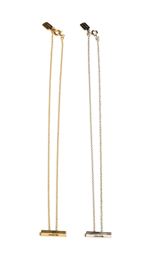 ALYNNE LAVIGNE - Short Bar Necklace