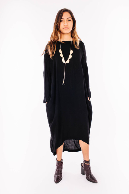 Black Crane Pleated Cocoon Dress (Black)