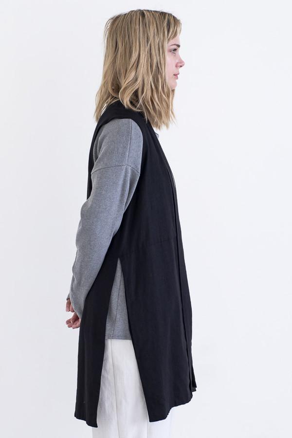 REIFhaus Alba Vest in Back Linen