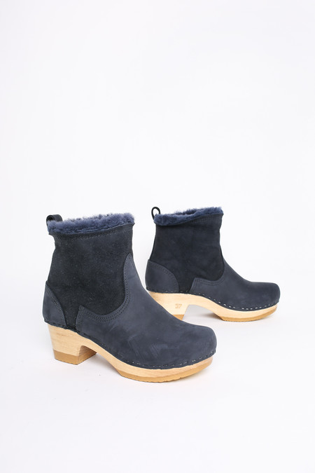 "No.6 Store Clogs 5"" shearling boot in navy"