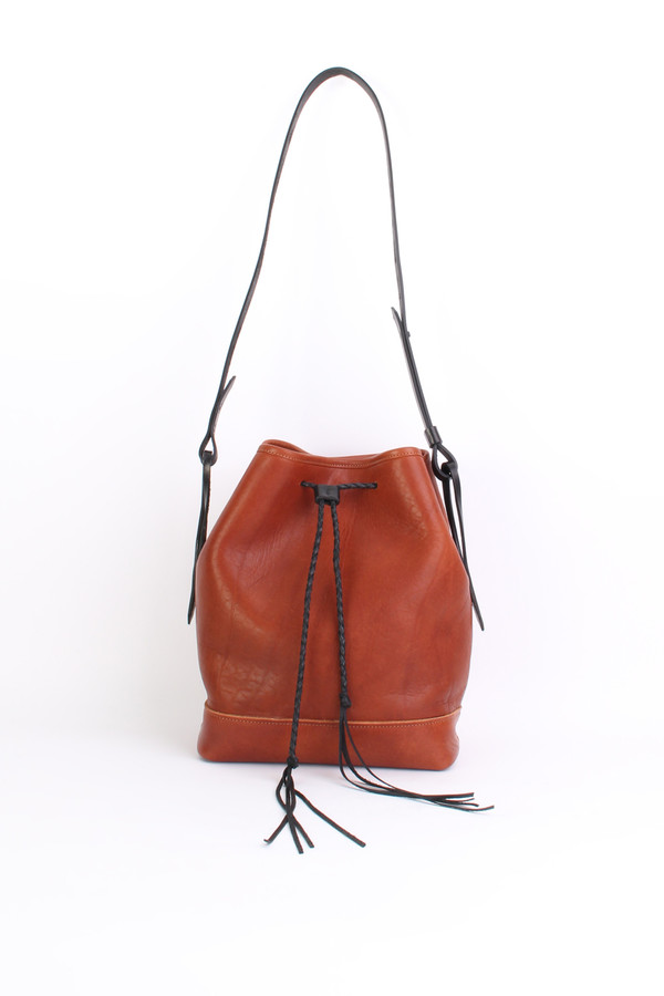 Bucket bag in cognac