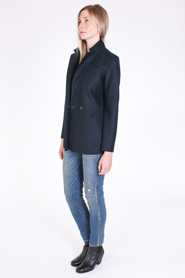 Harris Wharf London Double breasted blazer in dark blue