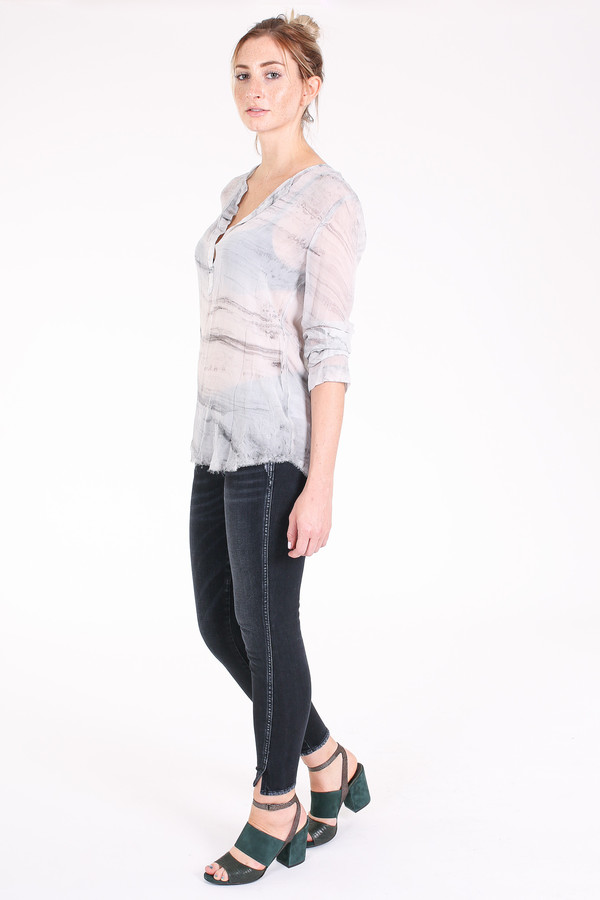 Raquel Allegra Henley blouse in grey
