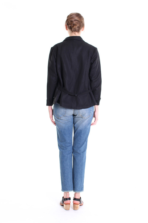 The Podolls Latitude blazer in black