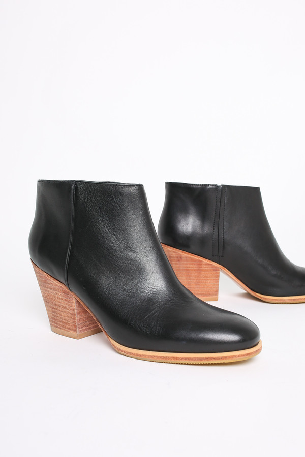 Rachel Comey Mars bootie in black/natural
