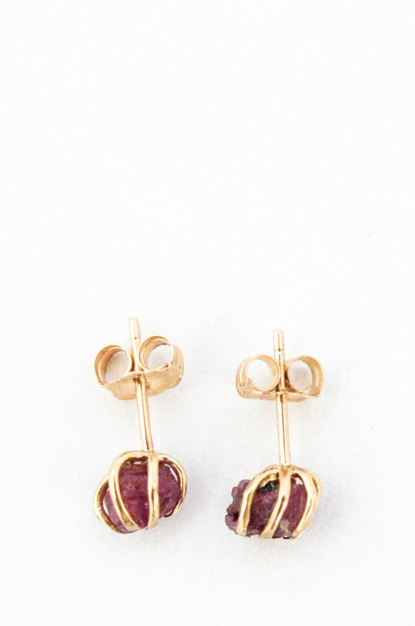 T.Kahres Ruby Rough Cage Studs