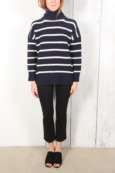 SEA STRIPED TURTLENECK SWEATER