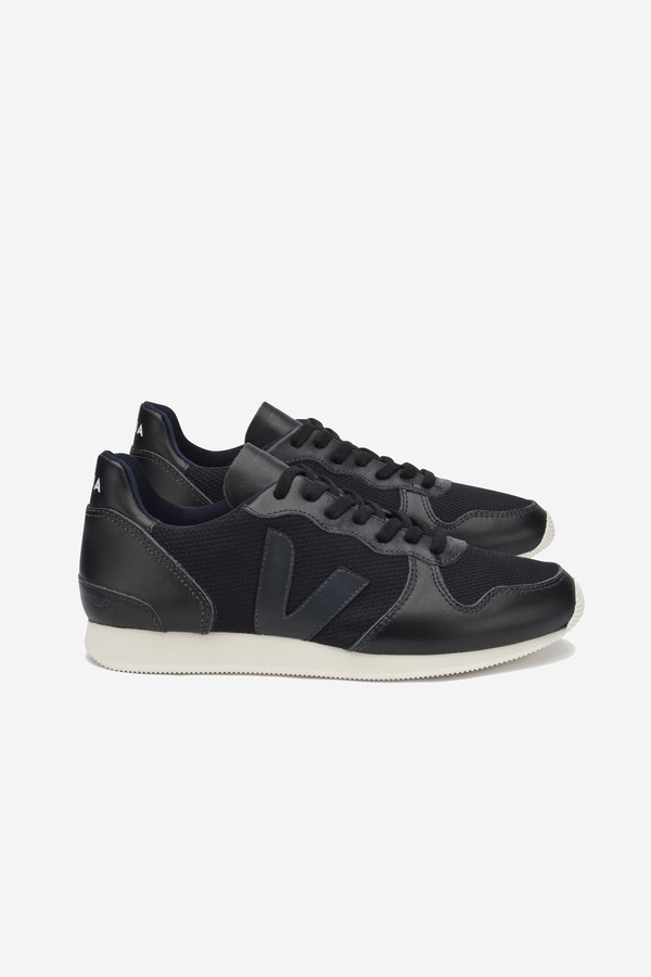 VEJA Holiday Mesh Sneaker in black