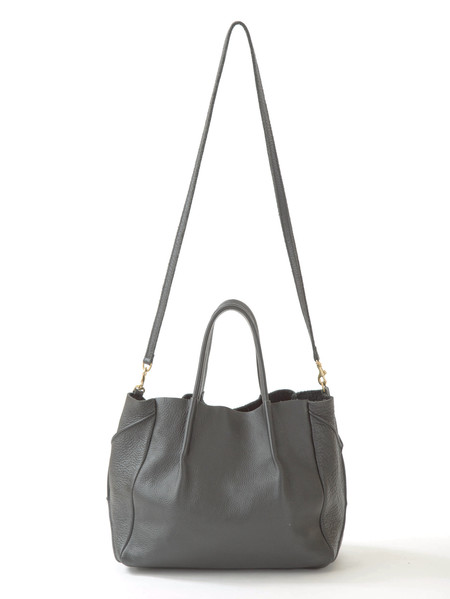 OLIVEVE zoe tote in grey pebble cow leather